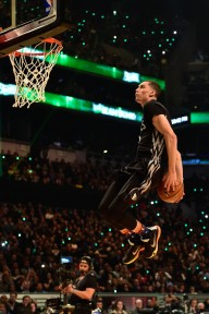 Zach LaVine proving you don't need wings to win a Dunk Contest.