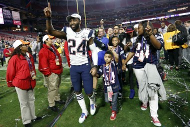 Darrelle Revis...yes, he is king of the World. Super Bowl Ring and now A BIG BANK BANK ACCOUNT.