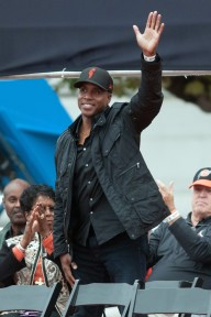 Bonds can surly relate to Rodriguez when it comes to what it feels like to be booed