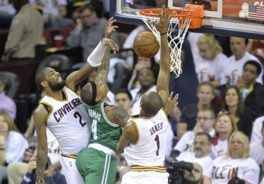 Isaiah Thomas attacking the rim has been huge in keeping the Celtics in games