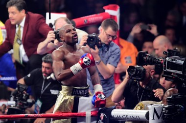 Floyd Mayweather would never stoop down to the level of a coward like Manny Pacquiao