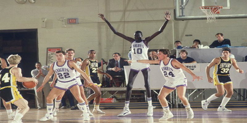 "Manute Bol's 15-Year-Old Son is 6'11"" and Is Better Than ..."