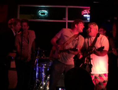 "Four Days After Collapsing, Here's John Daly at the Bar Singing ""Knockin' on Heaven's Door"""