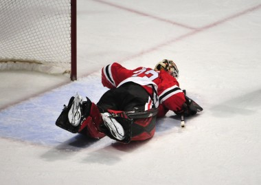Watch: Save of the Year Candidate by Blackhawks Goalie Scott Darling