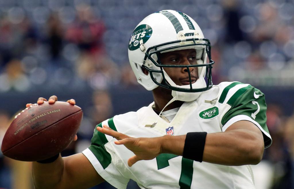 Nov 22, 2015; Houston, TX, USA; New York Jets quarterback Geno Smith (7) warms up prior to a game against the Houston Texans at NRG Stadium. Houston won 24-17. Mandatory Credit: Ray Carlin-USA TODAY Sports
