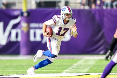 NFL Fantasy Ride or Fade: Josh Allen and Other Week 17 Stars