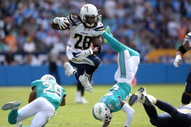 NFL Picks: Odds, Spreads, Prop Bets, Totals to Consider for Raiders vs. Chargers