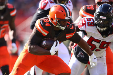 Fantasy Football Ride or Fade: Nick Chubb and Other Week 10 Stars