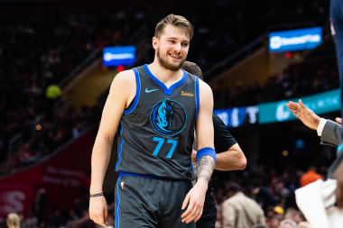 Mavericks vs. Heat: Showdown Strategy, Predictions, Captain's Picks