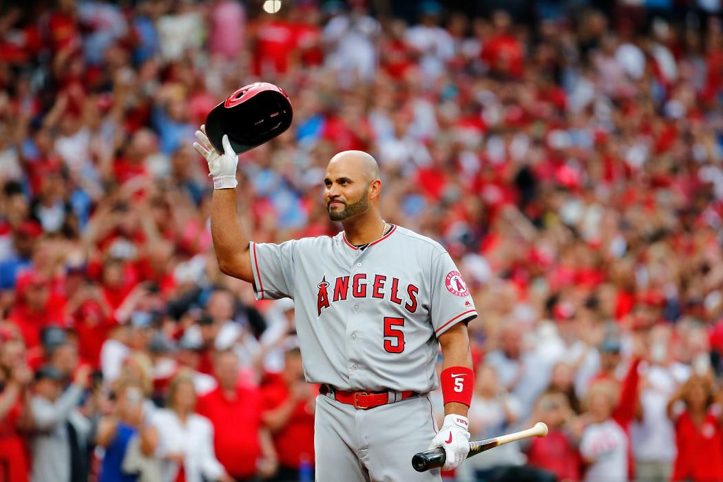 albert pujols angels cardinals fans st louis cardinal june molina return mo angeles los curtain call ovation stadium cheered acknowledges