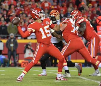 Colts vs. Chiefs Showdown Strategy: Captain's Pick, Game Script Analysis, Score Prediction
