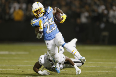 Chargers vs. Chiefs: Showdown Strategy, Predictions, Captain's Picks