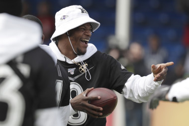Pro Bowl Showdown Strategy: Captain's Pick, Game Script Ideas, Final Score Prediction