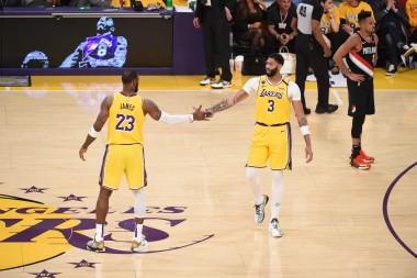 Lakers vs. Spurs: Predictions, Showdown Strategy, Captain's Picks